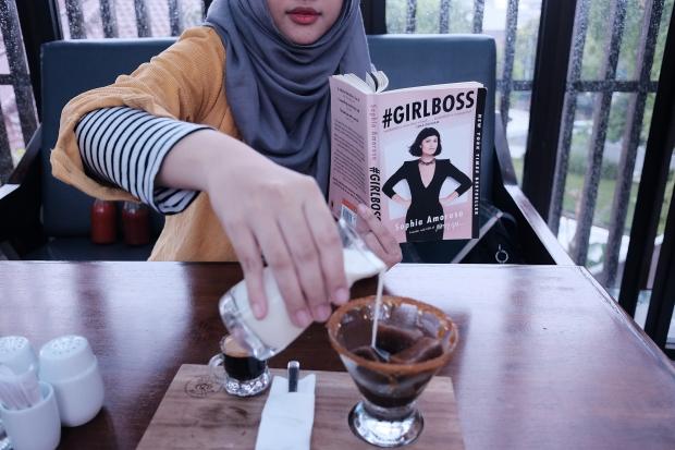 Girlboss (1)